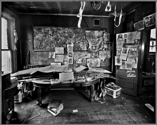 Nathan Lerner and David Berglund, ביתו של הנרי דארג'ר לאחר מותו, שנות ה-1970