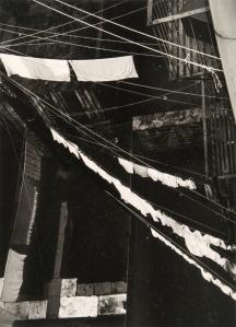 נתן לרנר, אטיוד בקופסת אור עירוני, ניו יורק, 1944.  Columbia Museum of Contemporary Photography