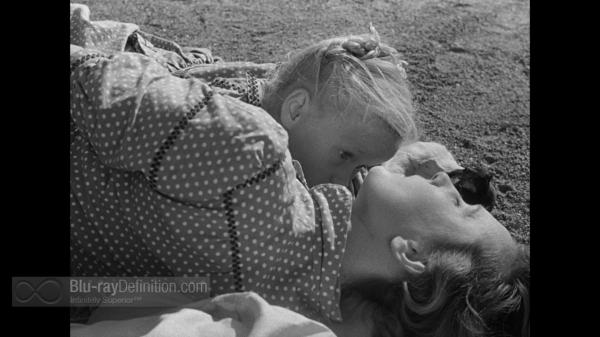 """במאי הסרט, רנה קלמאן, """"משחקים אסורים"""", 1952."""