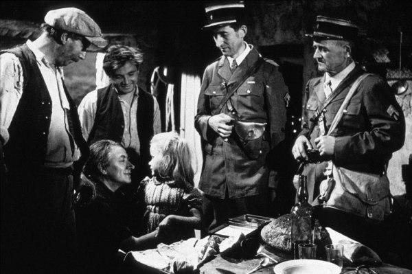 """רנה קלמאן, במאי הסרט, """"משחקים אסורים"""" (Jeux interdits),  1952"""