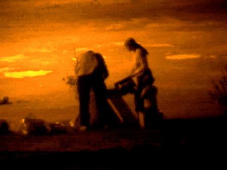 """ליאורה לאור, ללא כותרת, מס. 2 בסדרה """"צלם אור"""", 2003. מהאתר של האמנית."""