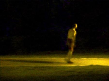 """ליאורה לאור, ללא כותרת, מס. 28 בסדרה """"צלם אור"""", 2003. מהאתר של האמנית."""