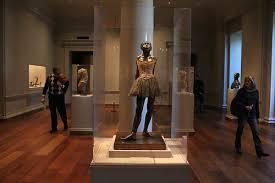 הרקדנית הקטנה בת 14 באולם הגלריה הלאומית, וושינגטון Photo: Mark Judge, via Flicker