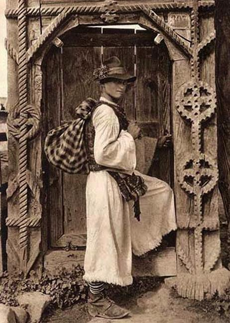 romanian-peasant-man-traditional-clothing-gate-romanian-people-via-romania-dacia