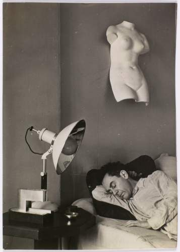 man ray, man ray endormi, c1930. centre pompidou, paris